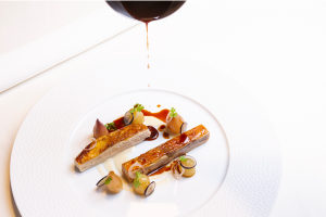 Guinea-fowl, grapes, shallot and Lugana Recipe